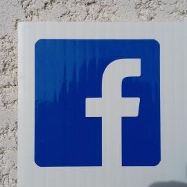 Autocollant réseaux sociaux pour voiture et vitrine